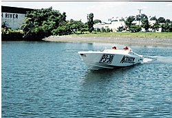 Any pictures of the 32' Activator that was in Key West?-ny-activator-2.jpg