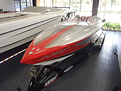 30 With a Single 700sci Merc at Fastboats-p5040199.jpg