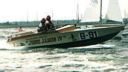 """Jesse James"" Legendary 28' Sinks in Lake George, NY-jessev.jpg"