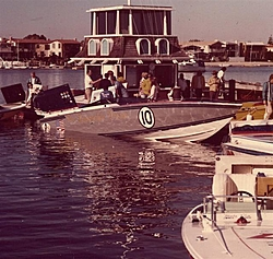 Cigarette 35 Raceboats-35-cigarette-race0005-small-.jpg
