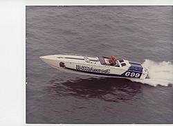Cigarette 35 Raceboats-bittersweet-small.jpg