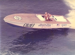 Cigarette 35 Raceboats-phil-front-right-peter-front-left-winning-1974-medium-.jpg
