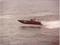 New here with interest in old school raceboat with family history-viper.jpg