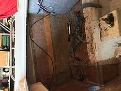 Transom replacement 1995 Webbcraft 252  Help Glass Dave-carpet-5.jpg