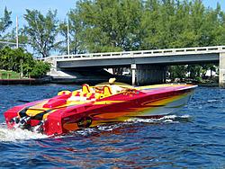 Floating Reporter-10/24/04-img_4852.jpg