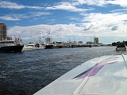 Floating Reporter-10/31/04-Lauderdale Boat Show-img_4912.jpg