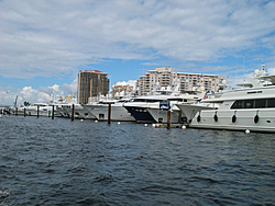 Floating Reporter-10/31/04-Lauderdale Boat Show-img_4913.jpg
