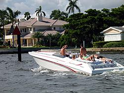 Floating Reporter-10/31/04-Lauderdale Boat Show-img_4917.jpg