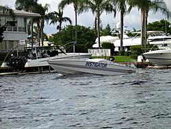 Floating Reporter-10/31/04-Lauderdale Boat Show-img_4922.jpg