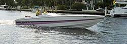 Floating Reporter-10/31/04-Lauderdale Boat Show-cig-1.jpg