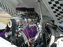 23' Warlock floor-640-p-engine.jpg