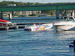 Looky what I found lurking in our Marina!!-mvc-002s.jpg