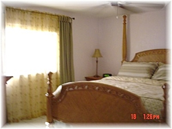 Moving to Florida tomarrow-1006-38th-st-bed-room.jpg