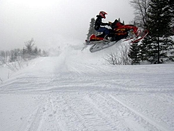 the active thunder of snowmobiles-f7-flying.jpg