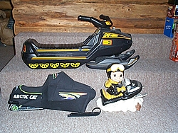 the active thunder of snowmobiles-toys_1.jpg