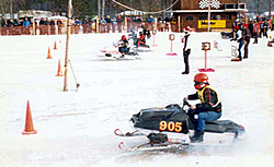 Who snowmobiles,and what do you ride?-dragsled4.jpg
