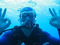 Back from Paradise-me-diving.jpg
