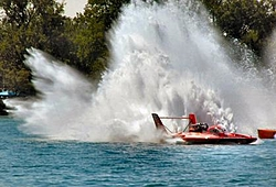 Help...need a pic looking back from the stern , roostertail, pref. outboard cat.-unlimited-hydro.jpg