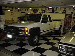tow vehicles-truck-garage.jpg