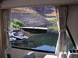 Houseboating on Lake Mead with Toys-houseboatskissutp.jpg