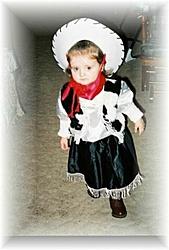 OT:halloween pics of the little ones dressed up-laneyoakley1.jpg