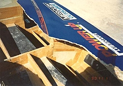 hull breakage info-32skater1.jpg