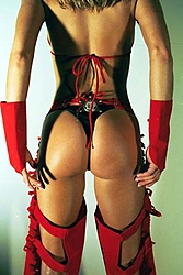 Jesse James Offshore .com Pictures-red-suit-black-thong-bus-card.jpg