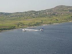 Will be in Lauderdale this weekend with Mr.Wonderful-plane-goes-down-water.jpg