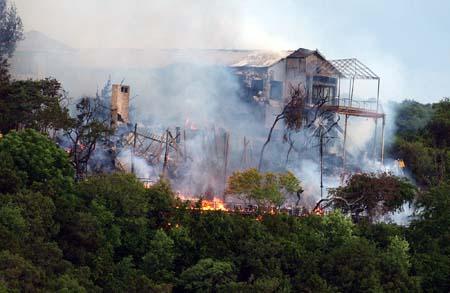 Fire Destroys Austin S Oasis Restaurant Offshoreonly Com