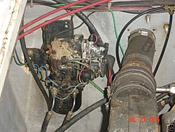 81 MPH, 28' Cig on E-bay-trim-pump.jpg