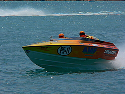 St. Clair, MI Offshore Classic Today 7-31-05-p1000498.jpg