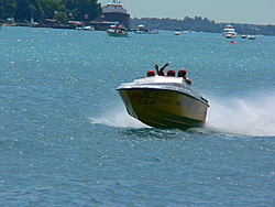 St. Clair, MI Offshore Classic Today 7-31-05-p1000546.jpg