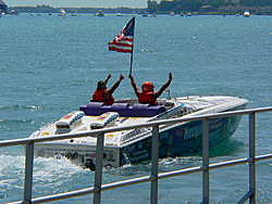 St. Clair, MI Offshore Classic Today 7-31-05-p1000584.jpg