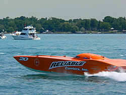 St. Clair, MI Offshore Classic Today 7-31-05-p1000329.jpg