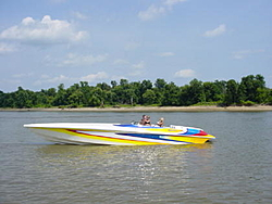 People going to the Shootout post a pic of you boat-hustlerriver.jpg