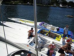 Floating Reporter-8/21/05-Lake Boca Raft-up Party!!!-img_2091.jpg