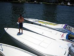 Floating Reporter-8/21/05-Lake Boca Raft-up Party!!!-img_2093.jpg