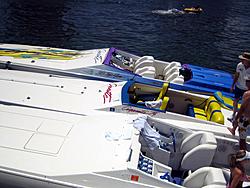 Floating Reporter-8/21/05-Lake Boca Raft-up Party!!!-img_2094.jpg