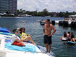 Floating Reporter-8/21/05-Lake Boca Raft-up Party!!!-img_2097.jpg