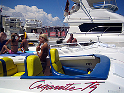 Floating Reporter-8/21/05-Lake Boca Raft-up Party!!!-img_2100.jpg