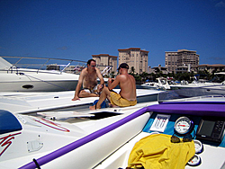 Floating Reporter-8/21/05-Lake Boca Raft-up Party!!!-img_2103.jpg