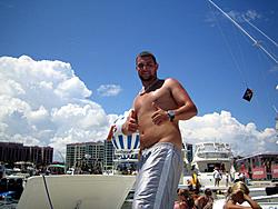 Floating Reporter-8/21/05-Lake Boca Raft-up Party!!!-img_2104.jpg