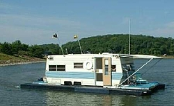People going to the Shootout post a pic of you boat-houseboat.jpg