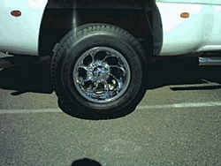 Who makes wheels for a 03chevy dually-truckwhell2.jpg