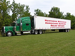 JB4Boyne on a mission in Houston with supplies-peterbilt-016-large-.jpg