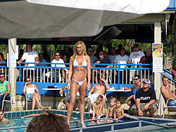Floating Reporter-9/25/05-SHOOTER'S HOT BOD PICS!!-img_2355.jpg