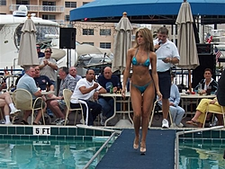 Floating Reporter-9/25/05-SHOOTER'S HOT BOD PICS!!-000_0763-small-.jpg