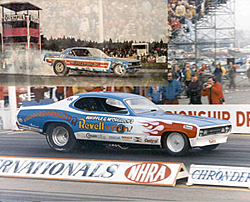 Top fuel dragster facts-funny-car-low-res.jpg
