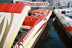 boat show pics-11-5-2005-06-medium-.jpg