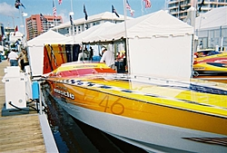 boat show pics-11-5-2005-01-medium-.jpg